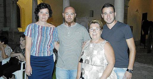 Carmen Garrido, Carlos Jerez, Mari Carmen Fuster y Tomeu Mascaró.