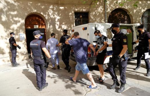 Durante toda la jornada de este jueves, un total de 32 detenidos fueron puestos a disposición judicial en Vía Alemania.