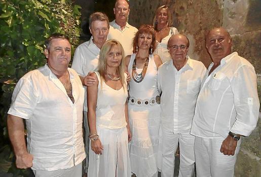 Víctor Varea, Claudia Jiménez, Antonio Medina, Carlos Lloveras, Maite Llompart, Paqui Volante, Ramón Arnau y Mariano Mayans.