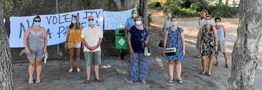 Imagen de una acción vecinal en protesta por la ubicación de la nueva estación de ITV en Peguera.