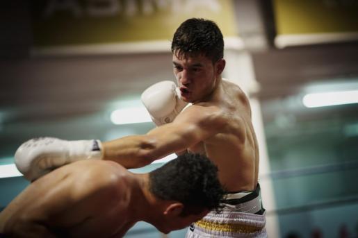 El boxeador mallorquín David 'Chiquito' Muñoz, de 19 años, debuta en el rap junto a Guile, amigo y excompañero de gimnasio, y presenta la canción 'Break'.