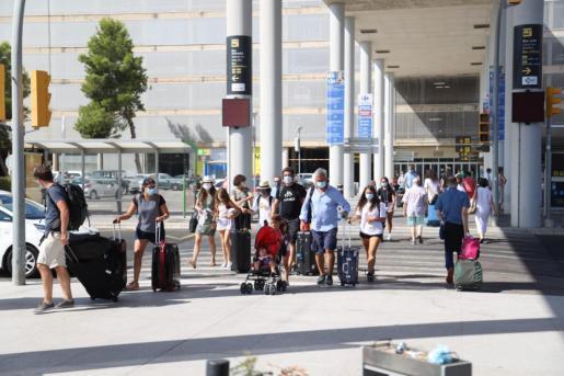 Son Sant Joan vivirá este sábado la primera jornada de repatriación de turistas alemanes.