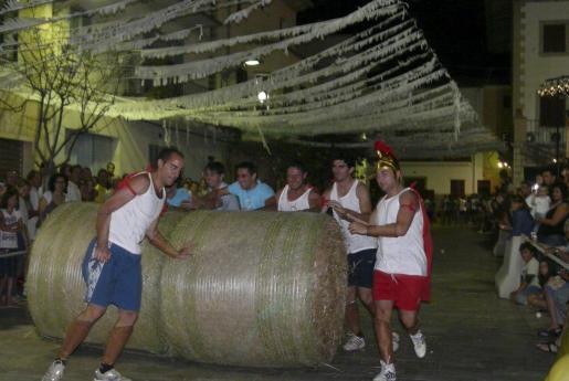 Las olimpiadas rurales son un clásico de las fiestas de Sant Llorenç.