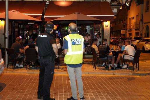 Un agente de la Patrulla Verde durante un control policial.