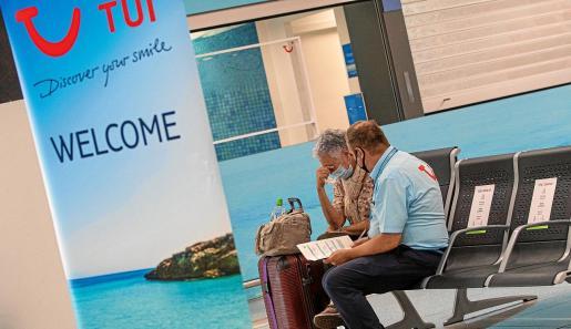 Los touroperadores alemanes ofrecen en estos momentos todo tipo de alternativas a los turistas que tenían previsto pasar sus vacaciones en Mallorca en las próximas semanas.