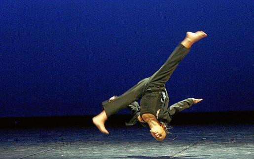 La bailarina Martina Miró, de la compañía Punt i apart, durante los ensayos.
