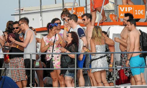 Las fiestas organizadas en yates y catamaranes están prohibidas desde el mes de junio.