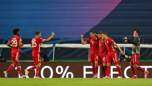 Los jugadores del Bayern Munich dcelebrando uno de los goles.
