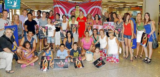 Una gran cantidad de familiares y amigos aguardaban a Fabian en el aeropuerto de Son Sant Joan.