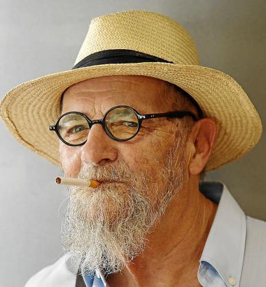 El reconocido escritor Antoni Serra,