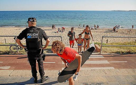 La federación lamenta que la Policía Local apenas actúa ante las muchas denuncias de la ciudadanía o su actuación no logra resultados.