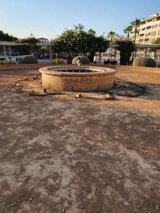 Imagen con la que la agrupación de distrito popular lamenta la falta de mantenimiento en el parque municipal.