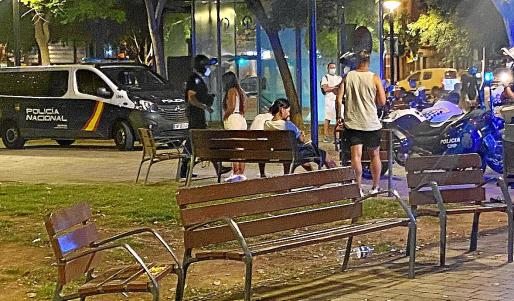 La Policía Nacional incrementa su presencia en la zona, pero exige el vallado del parque Wifi a Cort.