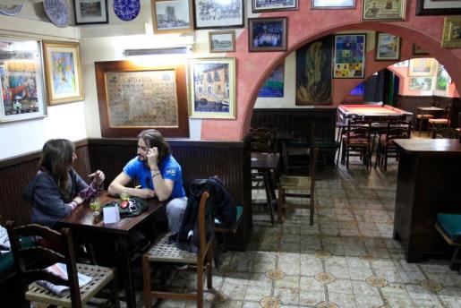 Interior del bar Can Angel.