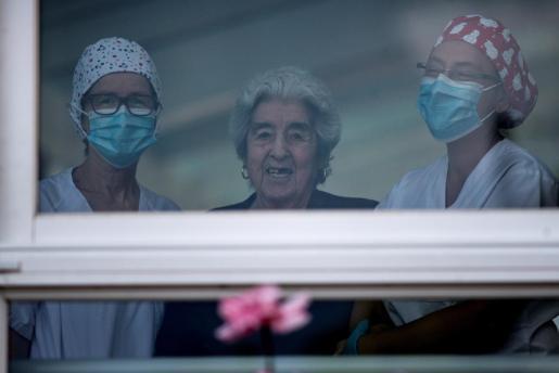 Las residencias han restringido las visitas de familiares durante la pandemia.