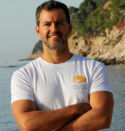 Boris Nowalski lleva más de veinte años nadando en el Mediterráneo.