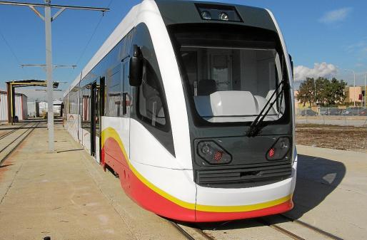 Imagen de una de las seis máquinas del tren-tram que tenía que unir Manacor-Artà.