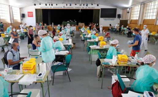 Realización de pruebas PCR al personal docente de la Comunidad de Madrid.