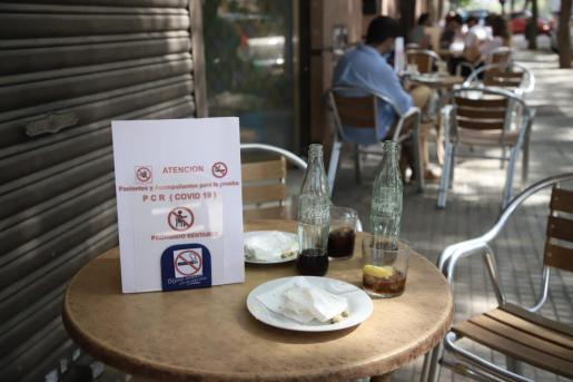 Cartel en un bar de Son Gotleu.