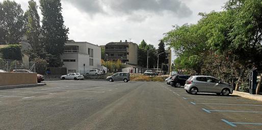Muchas de las plazas de aparcamiento ORA han quedado sin ocupar desde el mes de marzo y en pleno verano.