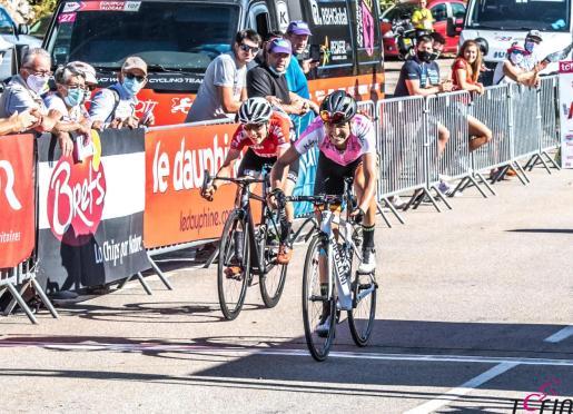 Momento en el que Mavi García se impone en la segunda etapa del Tour de l'Ardeche.