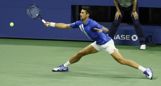 Novak Djokovic durante su enfrentamiento contra Jan-Lennard Struff en el US Open.