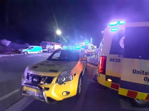 Importante dispositivo del SEM en el lugar del suceso, con seis ambulancias, dos vehículos de mando y una unidad logística.