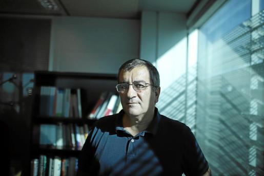 Antoni Morante, en su despacho de la dirección general de la Conselleria d'Educació.