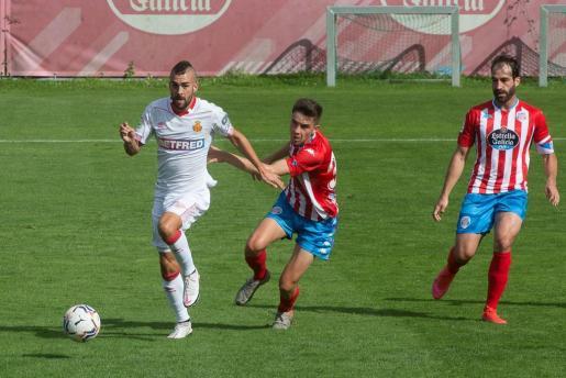 El Mallorca, como está siendo habitual durante la era LGP, apostó por un fútbol vertical con cierto protagonismo para las internadas de Joan Sastre e Ivi.