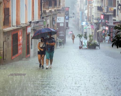 Se esperan fuertes lluvias.