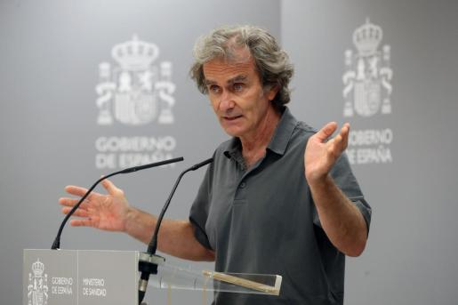 El director del Centro de Coordinación de Alertas y Emergencias Sanitarias, Fernando Simón, comparece en rueda de prensa para dar cuenta de los últimos datos de la pandemia de coronavirus en España.