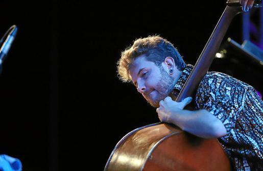 Pere Bujosa animó el festival arropado por Xavi Torres y Joan Terol.