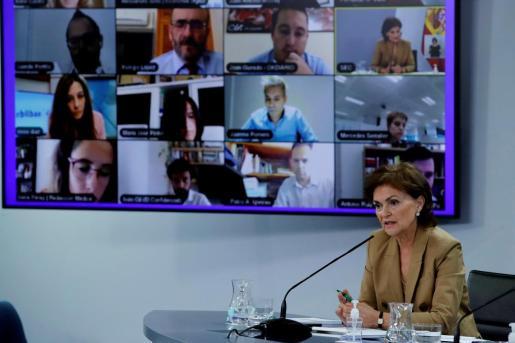 La vicepresidenta primera y ministra de la Presidencia, Relaciones con las Cortes y Memoria Democrática, Carmen Calvo, ofrece una rueda de prensa tras el Consejo de Ministros celebrado este martes en Madrid.