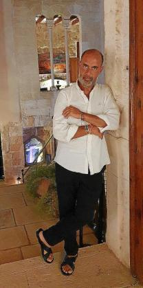 Juanjo Fraile, en su magnífica casa de Palma.