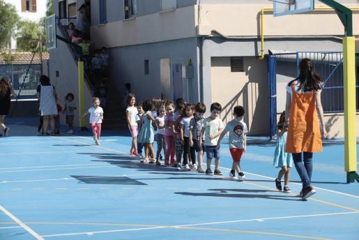 Imagen de alumnos de Infantil en el colegio Miquel Costa i Llobera.