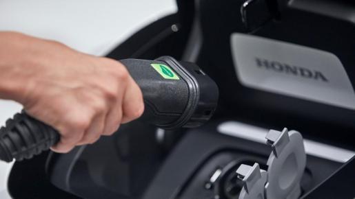 Dentro de los coches con emisiones cero o reducidas hay todo un abanico de posibilidades para elegir el modelo que más convenga.