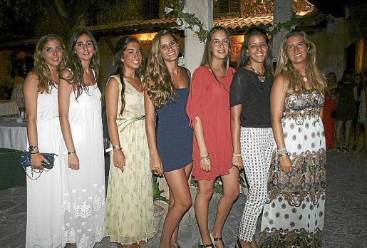 María Sennacheribbó, Magdalena Mas, María Delgado, Ana Mateas, Engracia Obregón, Irene Martínez Cuart y María Fernández-Billón.