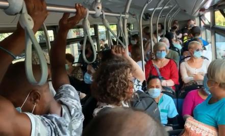 El autobús de la línea 35 este viernes a las 9 de la mañana.