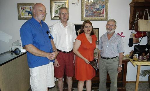 Andrew Pinder, Len Barnsdale, la galerista Francisca Tauler y Toni Marquet Pascual.