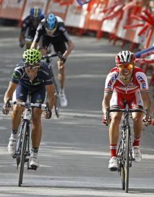 Valverde se hace con el liderato