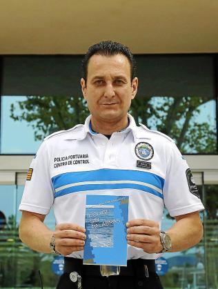 El policía portuario y escritor Juan Manuel Gavilán.