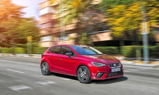 Seat Ibiza: Con 150 cv, la nueva versión acelera de 0 a 100 km/h en apenas 8,2 segundos.