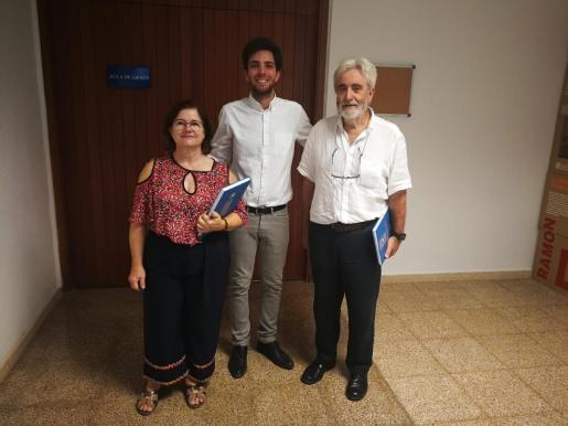 Los investigadores Francisca Serra, Sebastià Galmés y Andreu Palou, en una imagen de archivo.