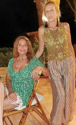 La anfitriona con Carla Caamaño y de Palacio