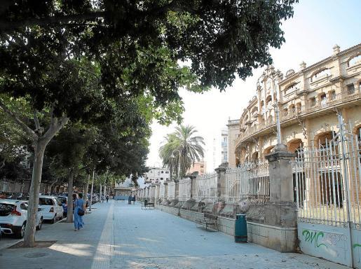 Parte del barrio de la plaza de Toros se ha visto afectado por las nuevas restriccciones.             FOTO: BOTA