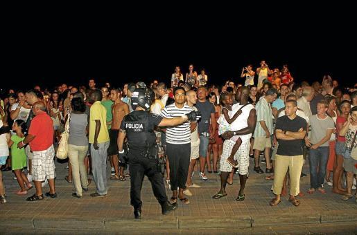 PALMA. SUCESOS. OPERACIÓN POLICIA LOCAL CONTRA LOS TRILEROS DE LA PLAYA DE PALMA. FOTOS: ALEJANDRO SEPÚLVEDA