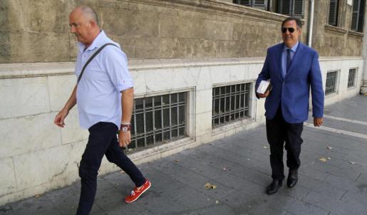 Manuel Penalva (izquierda) y Miguel Ángel Subiran en 2016, en plena instrucción del caso.