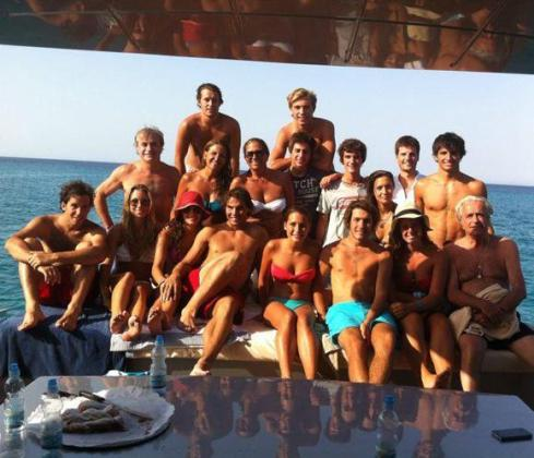 Rafa Nadal, junto a sus amigos.