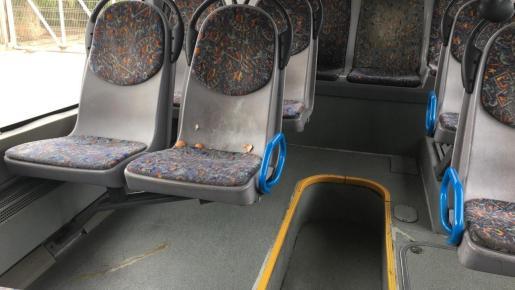 Imagen de algunos de los huevos que se han tirado a varios autobuses de la EMT.