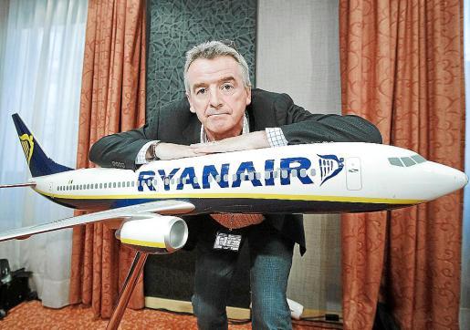 El presidente de Ryanair, Michael O'Leary, ayer en rueda de prensa.